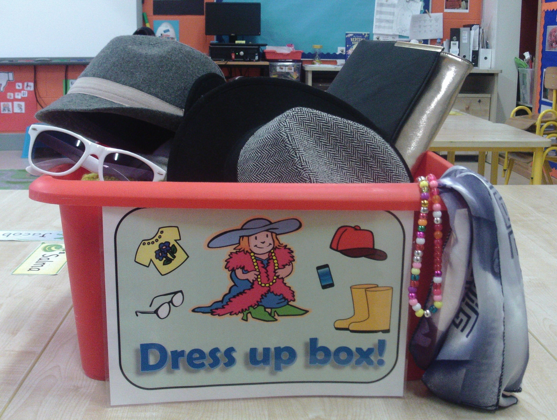 dress up box in seomra donn scoil ghrainne cns