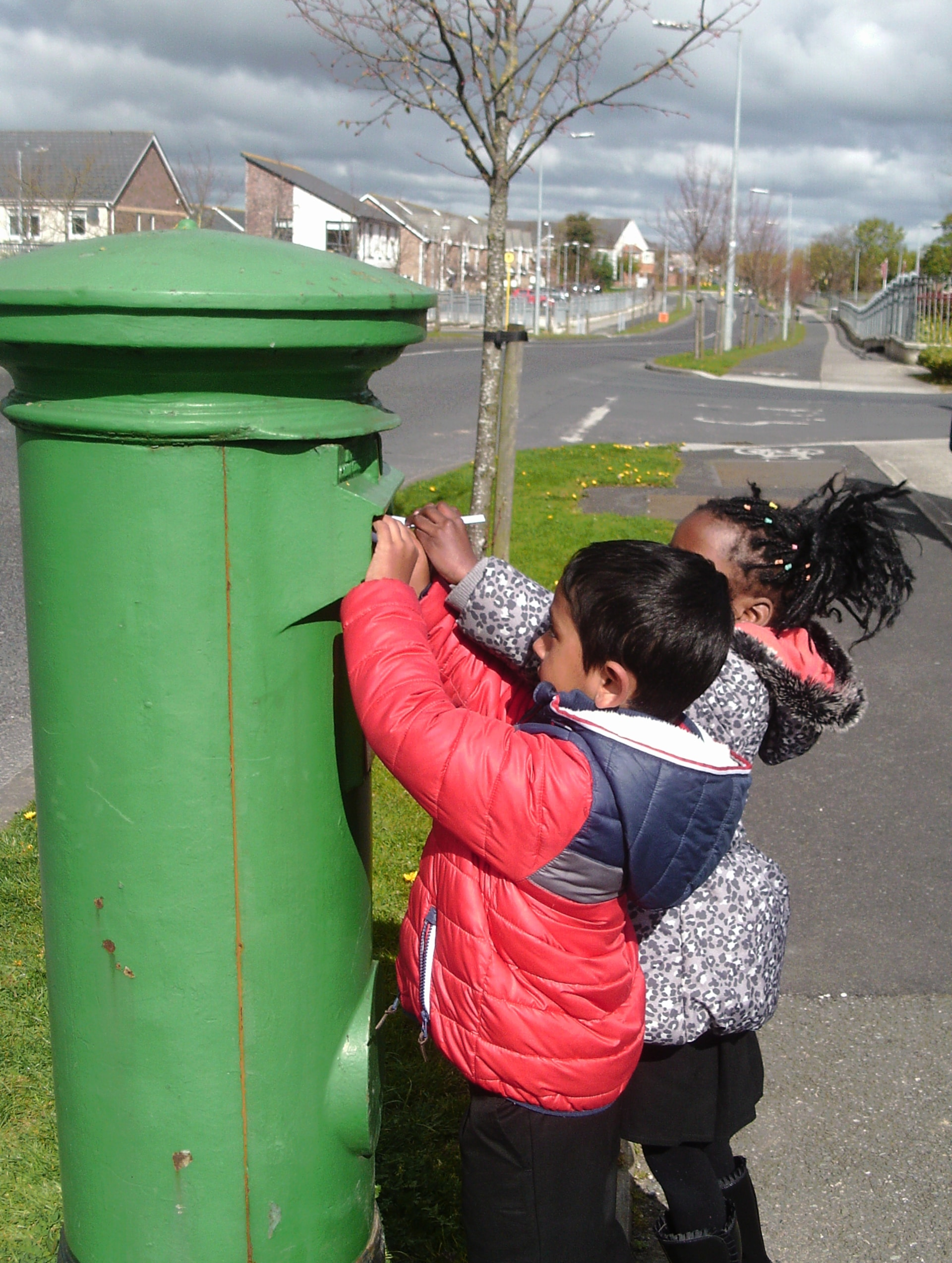 Seomra Bu 237 S Trip To The Post Box Scoil Ghrainne Cns